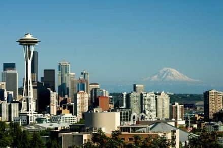 Seattle skyline with Mount Rainer in the background