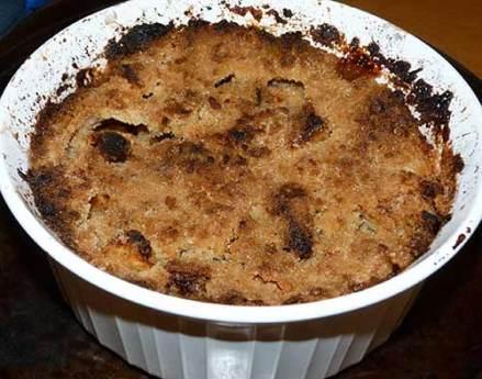 Gluten-free apple crisp, baked.